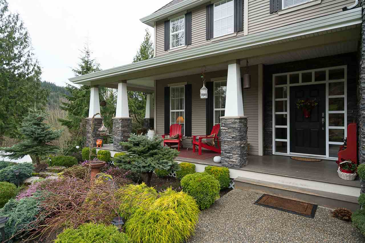 Photo 2: Photos: 5843 UPPER SUMAS MOUNTAIN Road in Abbotsford: Sumas Mountain House for sale : MLS® # R2201326