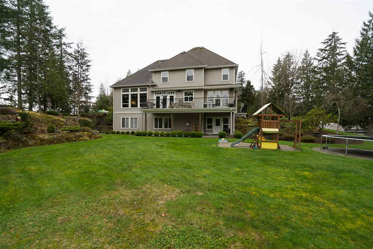 Photo 16: Photos: 5843 UPPER SUMAS MOUNTAIN Road in Abbotsford: Sumas Mountain House for sale : MLS® # R2201326