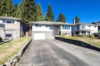Main Photo: 882 E 17TH Street in North Vancouver: Boulevard House for sale : MLS® # R2221003