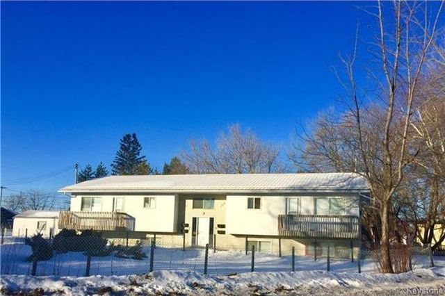 Main Photo: 111 Railway Avenue in Dauphin: Residential for sale (R30 - Dauphin and Area)  : MLS®# 1729398