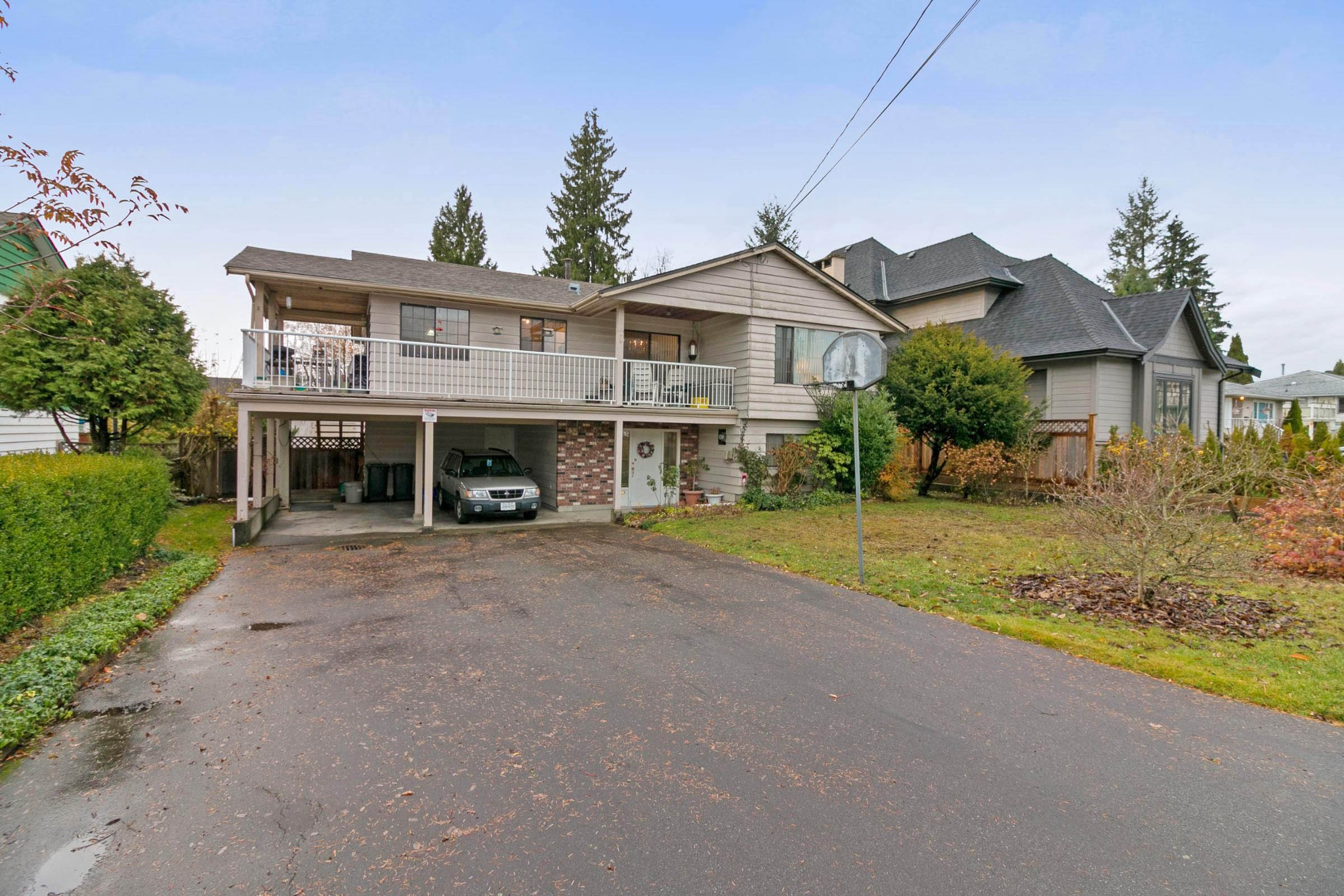 Main Photo: 832 MACINTOSH Street in Coquitlam: Harbour Chines House for sale : MLS®# R2223774