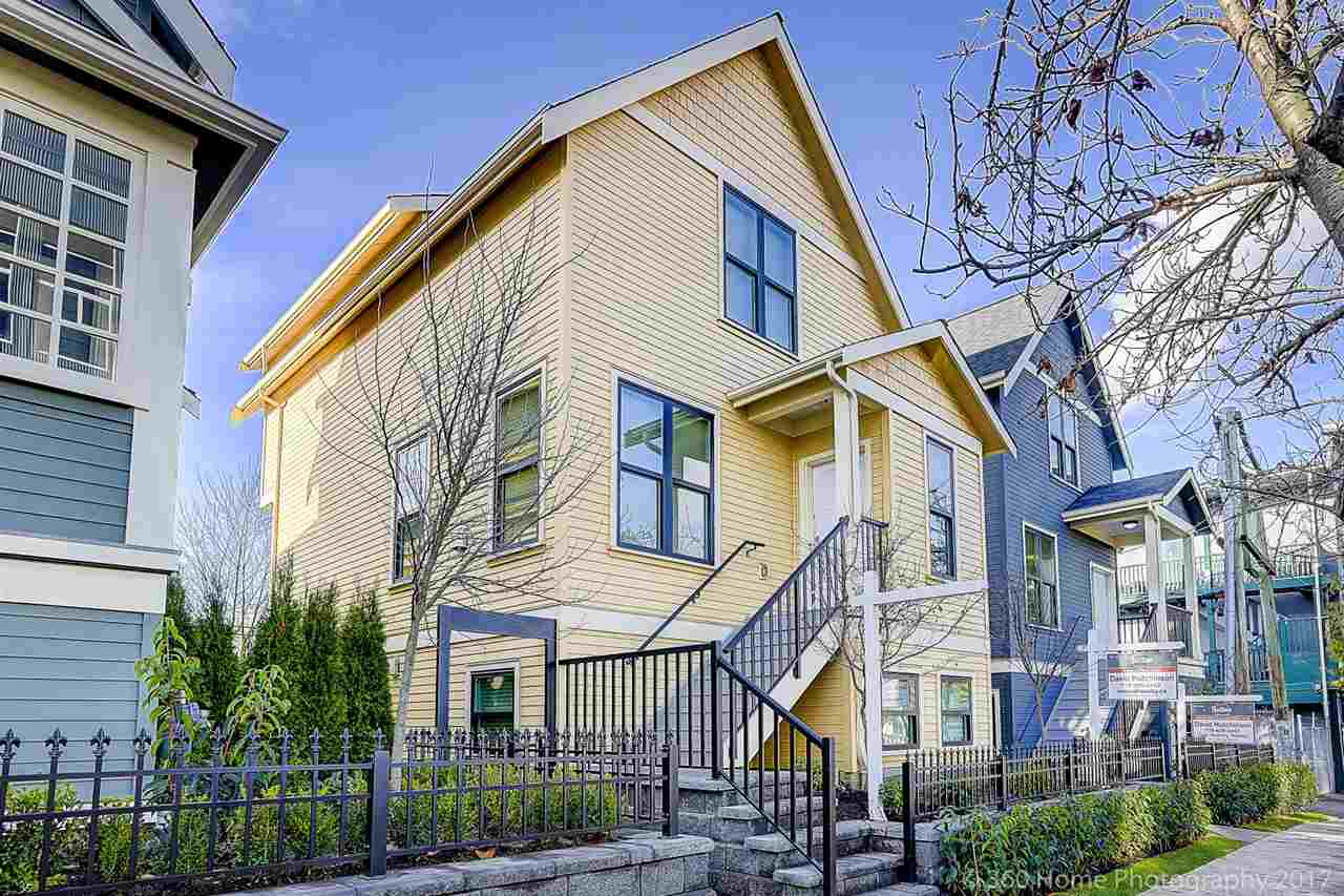 "Main Photo: 433 VERNON Drive in Vancouver: Mount Pleasant VE Townhouse for sale in ""STRATHCONA"" (Vancouver East)  : MLS® # R2224980"