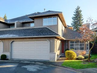 "Main Photo: 11 8560 162 Street in Surrey: Fleetwood Tynehead Townhouse for sale in ""Lakewood Green"" : MLS® # R2227159"