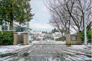"Main Photo: 141 15353 105 Avenue in Surrey: Guildford Townhouse for sale in ""REGENTS GATE"" (North Surrey)  : MLS® # R2238749"