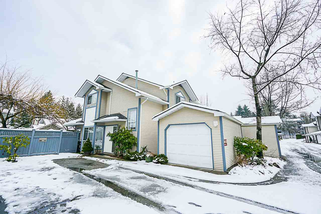"Photo 2: Photos: 141 15353 105 Avenue in Surrey: Guildford Townhouse for sale in ""REGENTS GATE"" (North Surrey)  : MLS® # R2238749"