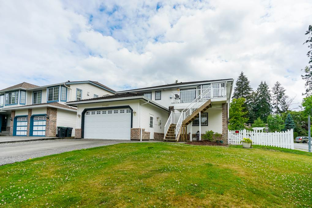 "Main Photo: 20452 97B Avenue in Langley: Walnut Grove House for sale in ""DERBY HILLS"" : MLS®# R2288613"