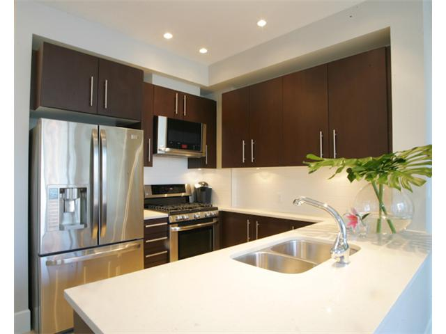 "Photo 7: 203 2108 W 12TH Avenue in Vancouver: Kitsilano Condo for sale in ""LUZON"" (Vancouver West)  : MLS(r) # V870663"
