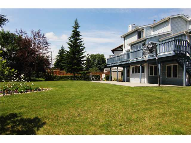 Main Photo: 15 HAWKSLOW Bay NW in CALGARY: Hawkwood Residential Detached Single Family for sale (Calgary)  : MLS® # C3485161