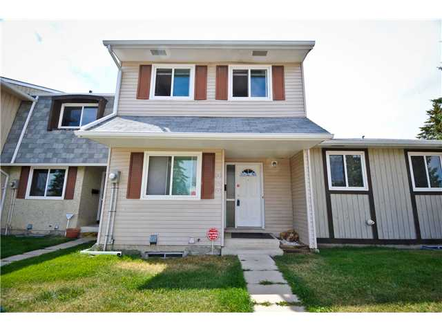 Main Photo: 323 Georgian Villa NE in CALGARY: Marlborough Park Townhouse for sale (Calgary)  : MLS(r) # C3490128