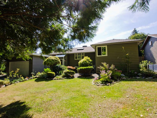 "Main Photo: 5224 6TH Avenue in Tsawwassen: Pebble Hill House for sale in ""TSAWWASSEN RIDGE"" : MLS(r) # V1105619"
