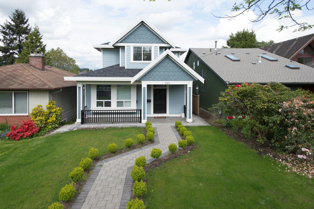 "Main Photo: 725 SECOND Street in New Westminster: GlenBrooke North House for sale in ""GLENBROOKE NORTH"" : MLS(r) # V1120109"