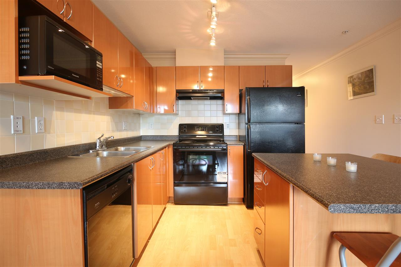 "Photo 3: 306 5629 DUNBAR Street in Vancouver: Dunbar Condo for sale in ""West Pointe"" (Vancouver West)  : MLS(r) # R2051886"