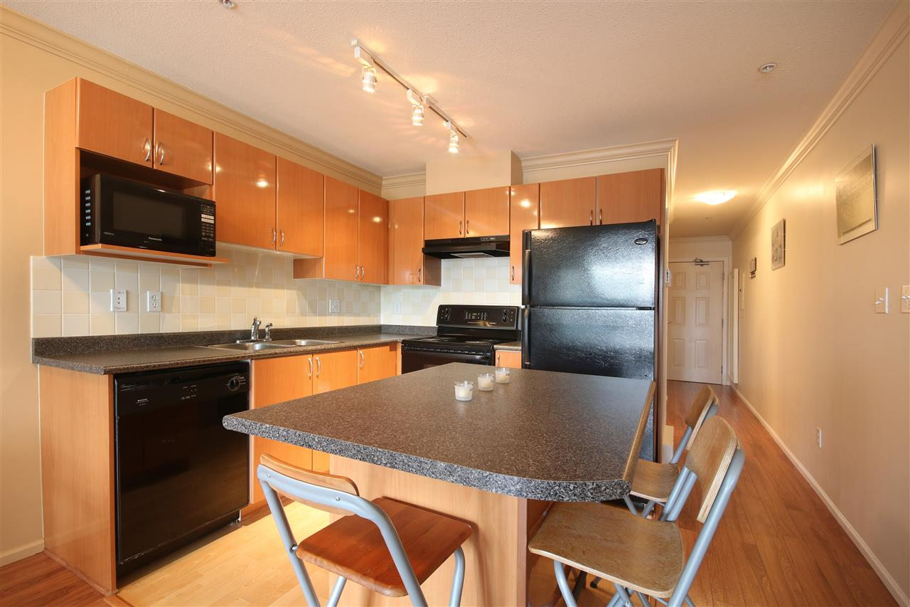 "Photo 2: 306 5629 DUNBAR Street in Vancouver: Dunbar Condo for sale in ""West Pointe"" (Vancouver West)  : MLS(r) # R2051886"