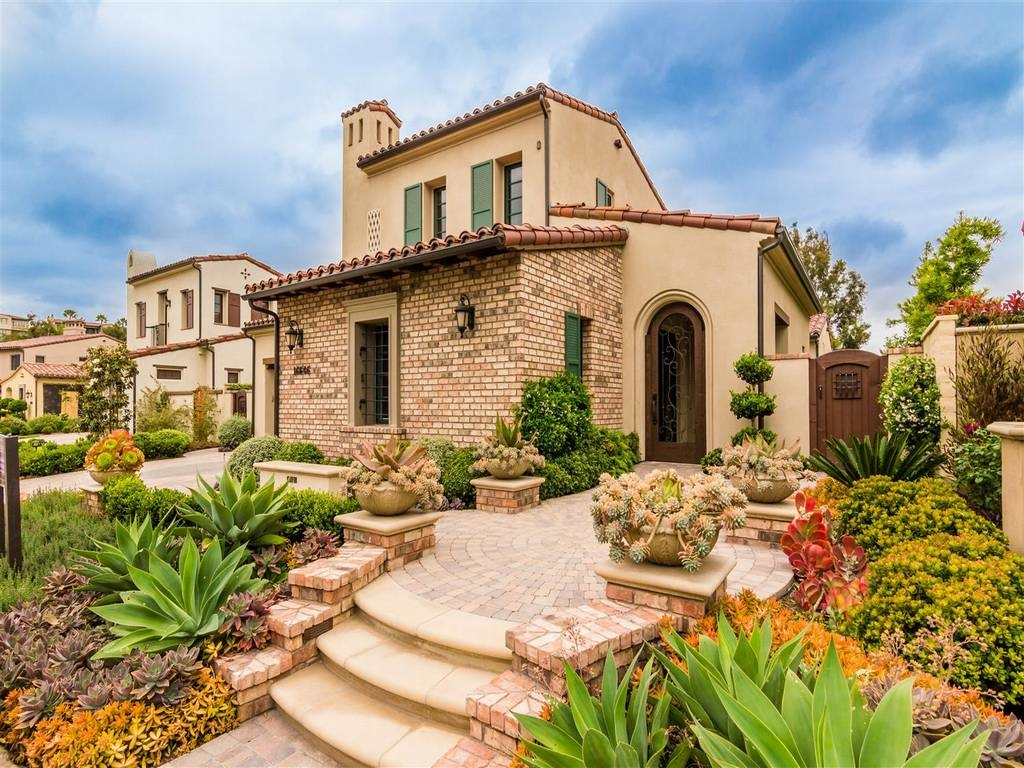 Main Photo: RANCHO SANTA FE House for sale : 5 bedrooms : 16646 Sweet Leilani Lane in San Diego