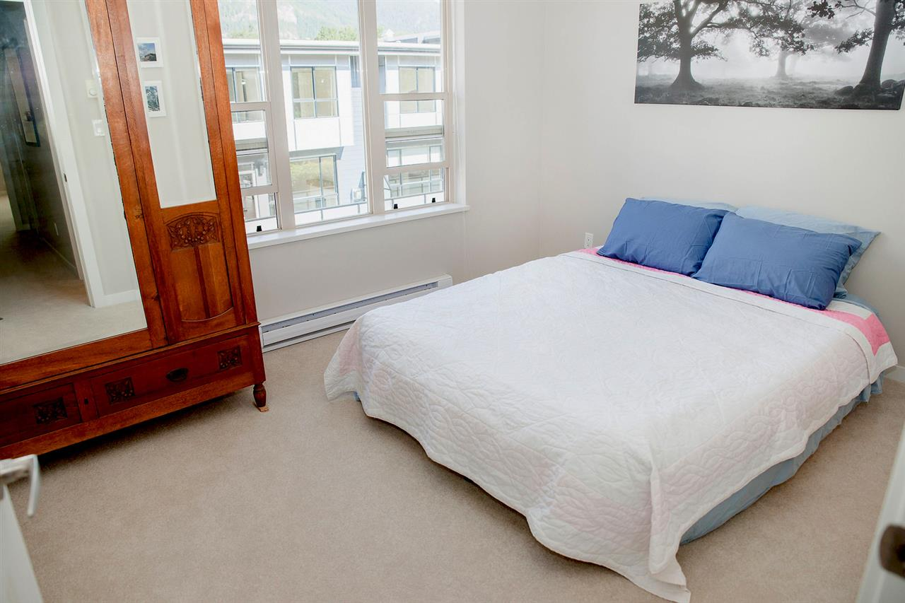 "Photo 11: 38370 EAGLEWIND Boulevard in Squamish: Downtown SQ Townhouse for sale in ""Eaglewind"" : MLS(r) # R2075883"