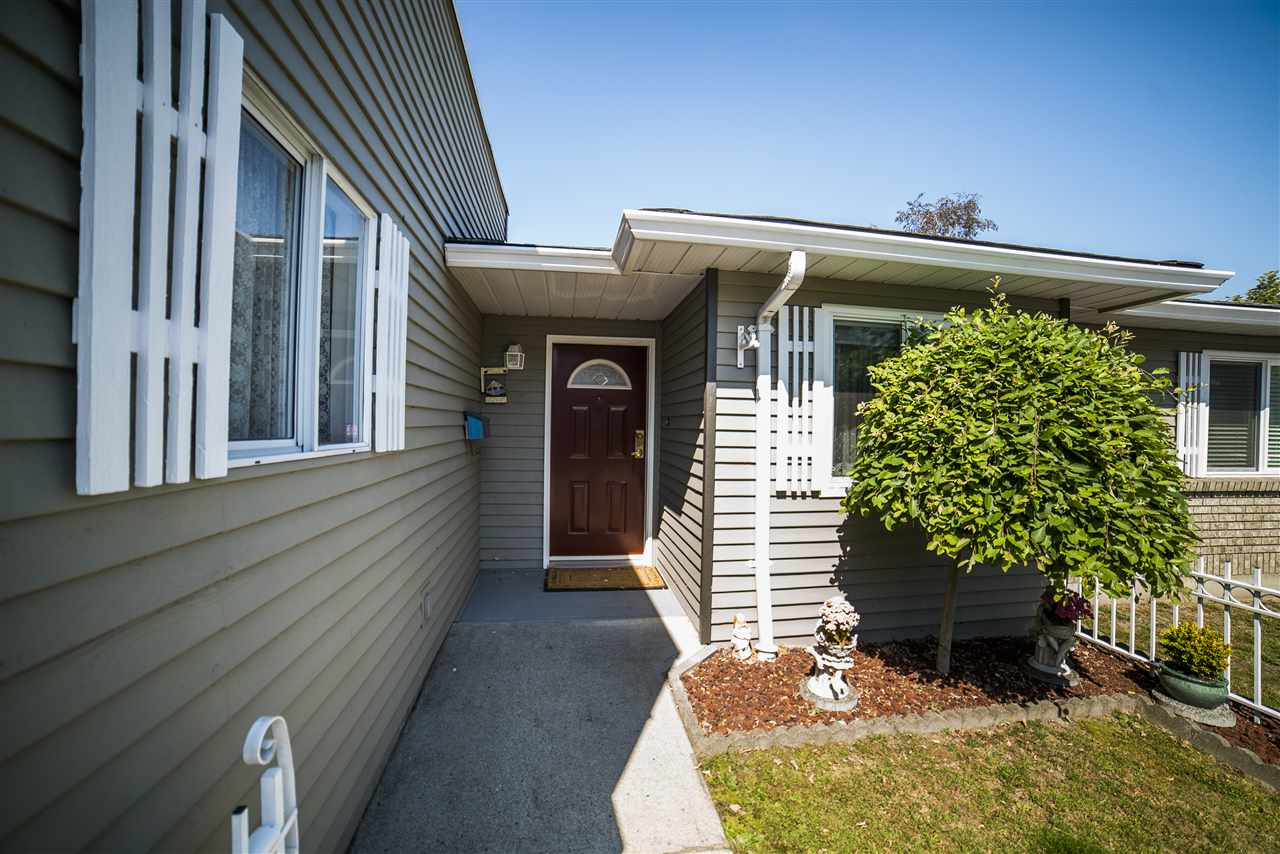"Main Photo: 12 6320 48A Avenue in Delta: Holly Townhouse for sale in ""GARDEN ESTATES"" (Ladner)  : MLS(r) # R2086164"