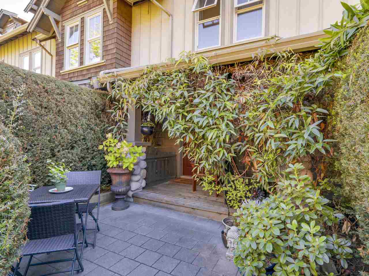 "Photo 2: 235 18 JACK MAHONY Place in New Westminster: GlenBrooke North Townhouse for sale in ""The Westerly"" : MLS(r) # R2108525"