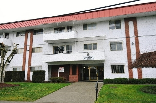 "Main Photo: 304 12096 222 Street in Maple Ridge: West Central Condo for sale in ""CANUCK PLAZA"" : MLS® # R2110176"