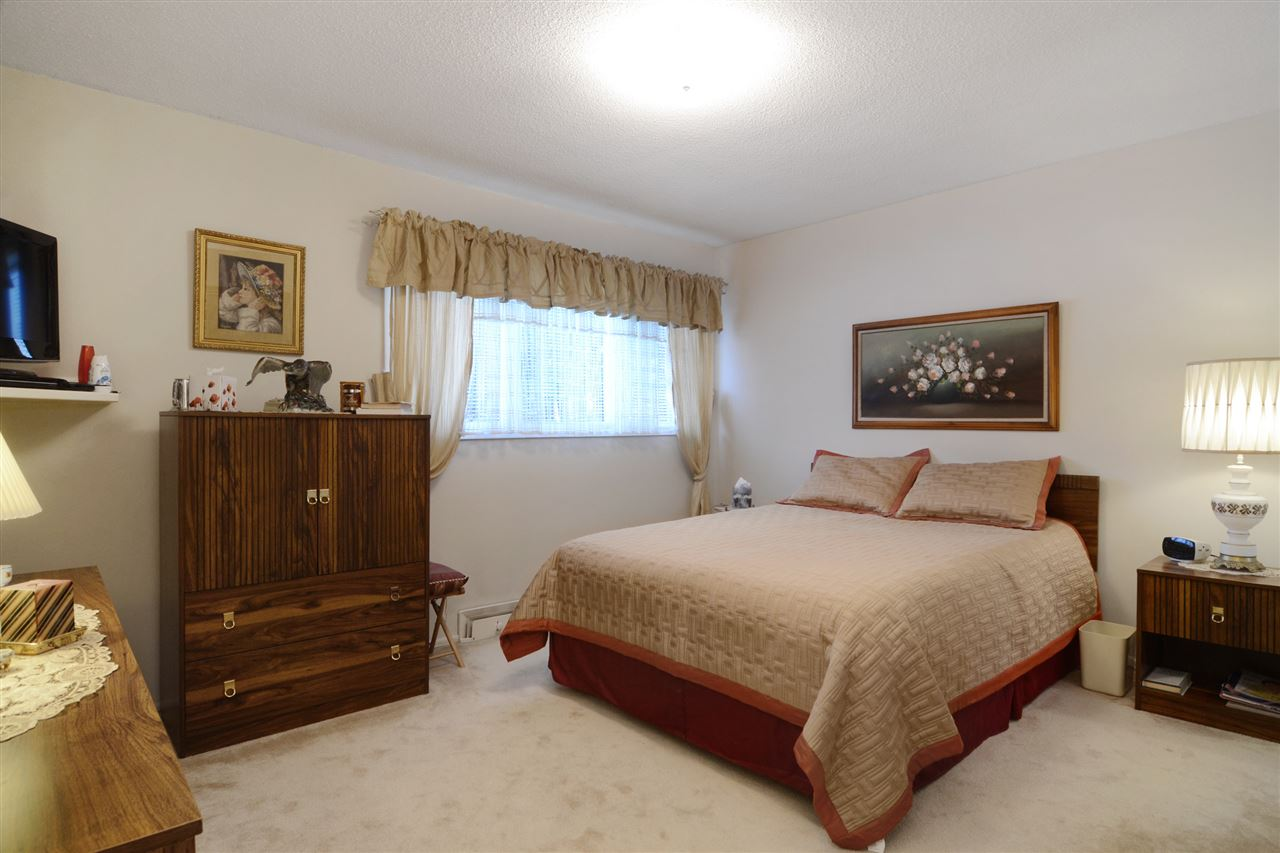 Photo 9: 3630 DELBROOK Avenue in North Vancouver: Delbrook House for sale : MLS(r) # R2135003