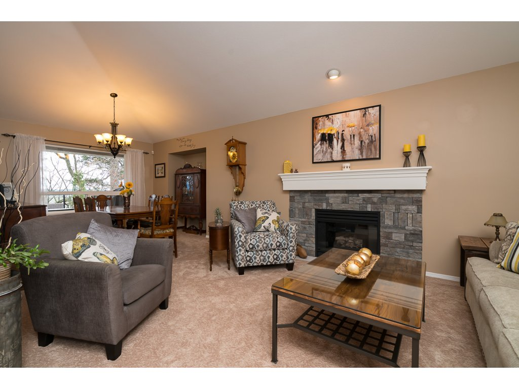 Photo 4: 35704 TIMBERLANE Drive in Abbotsford: Abbotsford East House for sale : MLS(r) # R2148897