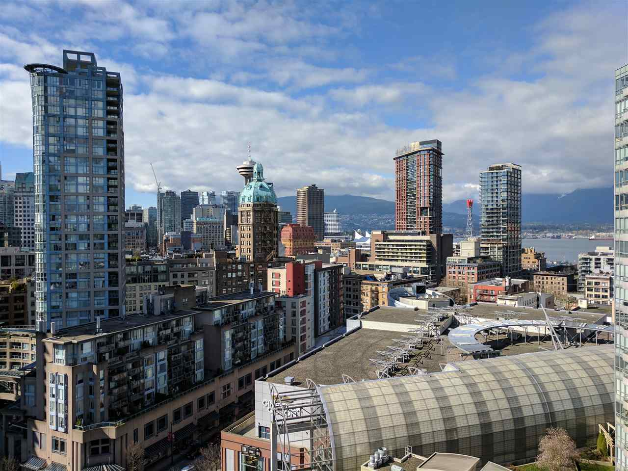 "Main Photo: 2105 58 KEEFER Place in Vancouver: Downtown VW Condo for sale in ""FIRENZE"" (Vancouver West)  : MLS®# R2150186"