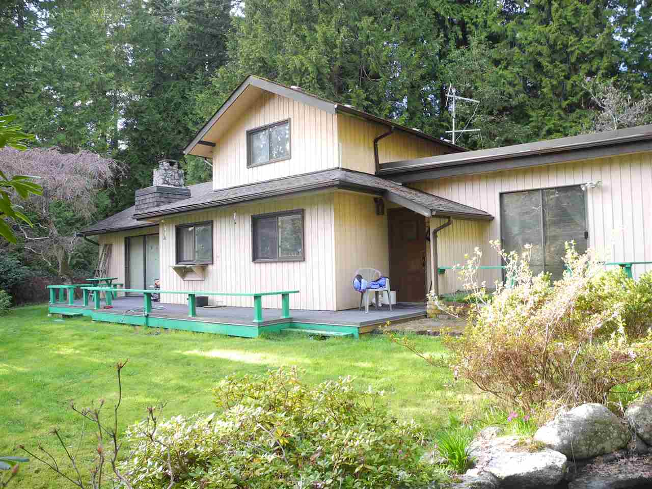 Main Photo: 1440 HENDERSON Road: Roberts Creek House for sale (Sunshine Coast)  : MLS® # R2154015