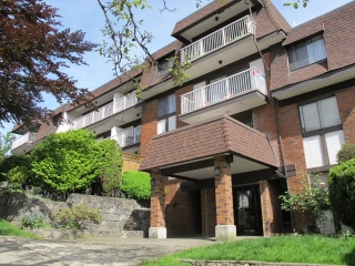 "Main Photo: 409 331 KNOX Street in New Westminster: Sapperton Condo for sale in ""WESTMOUNT ARMS"" : MLS(r) # R2169687"