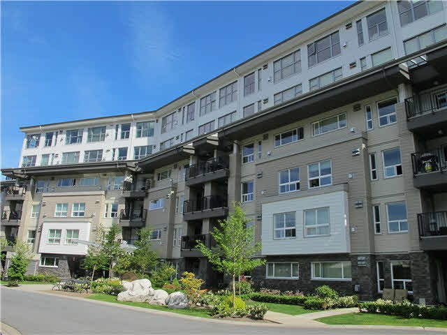 "Main Photo: 105 1212 MAIN Street in Squamish: Downtown SQ Condo for sale in ""AQUA"" : MLS®# R2170811"