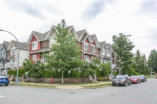 "Main Photo: 103 1661 FRASER Avenue in Port Coquitlam: Glenwood PQ Townhouse for sale in ""Brimley Mews"" : MLS(r) # R2173665"