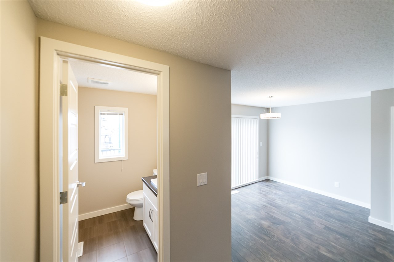 Photo 15: 3366 15A Avenue in Edmonton: Zone 30 Townhouse for sale : MLS(r) # E4071522