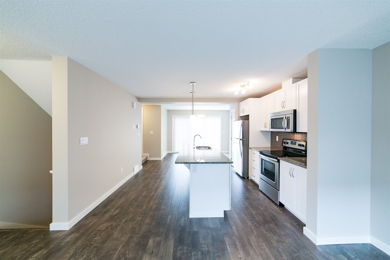 Photo 10: 3366 15A Avenue in Edmonton: Zone 30 Townhouse for sale : MLS(r) # E4071522
