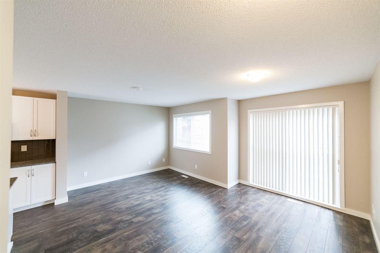 Photo 6: 3366 15A Avenue in Edmonton: Zone 30 Townhouse for sale : MLS(r) # E4071522