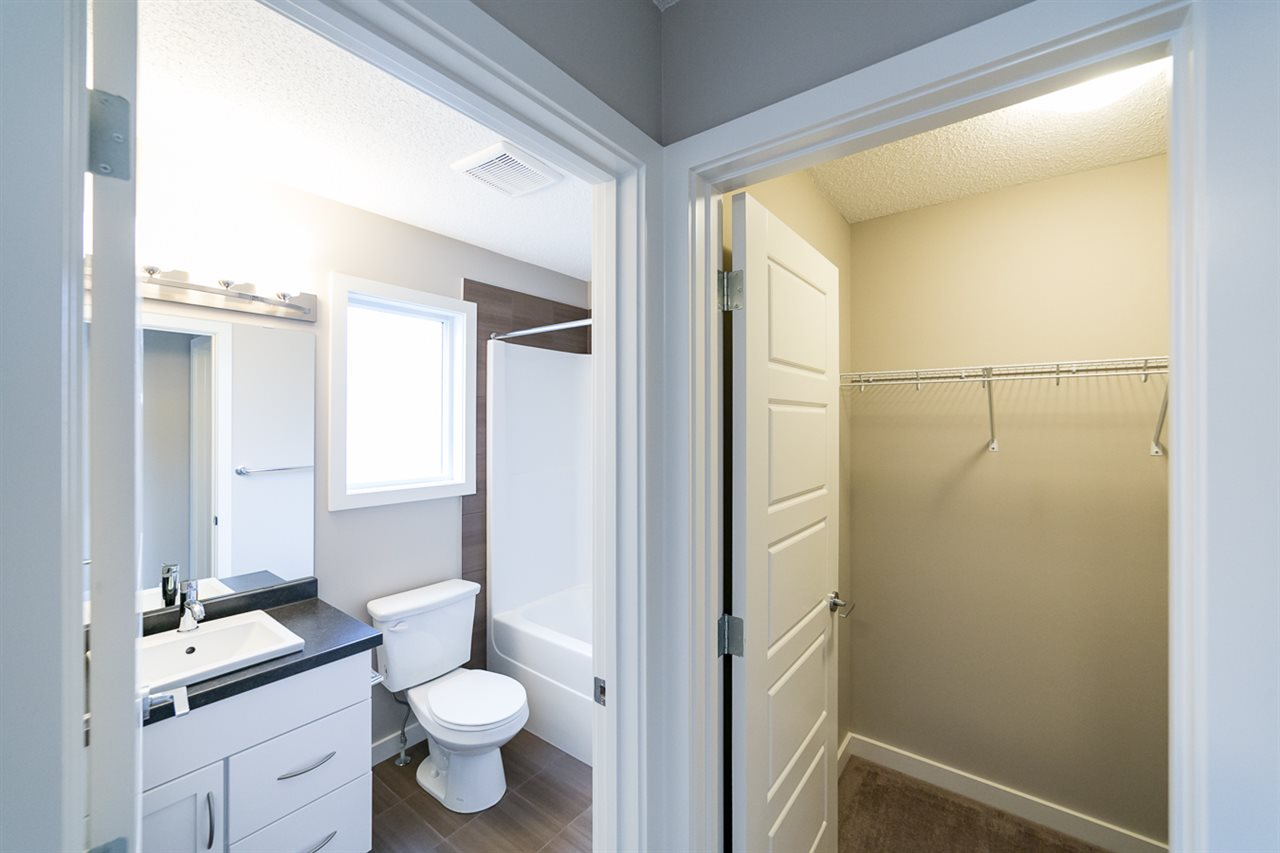 Photo 25: 3366 15A Avenue in Edmonton: Zone 30 Townhouse for sale : MLS(r) # E4071522