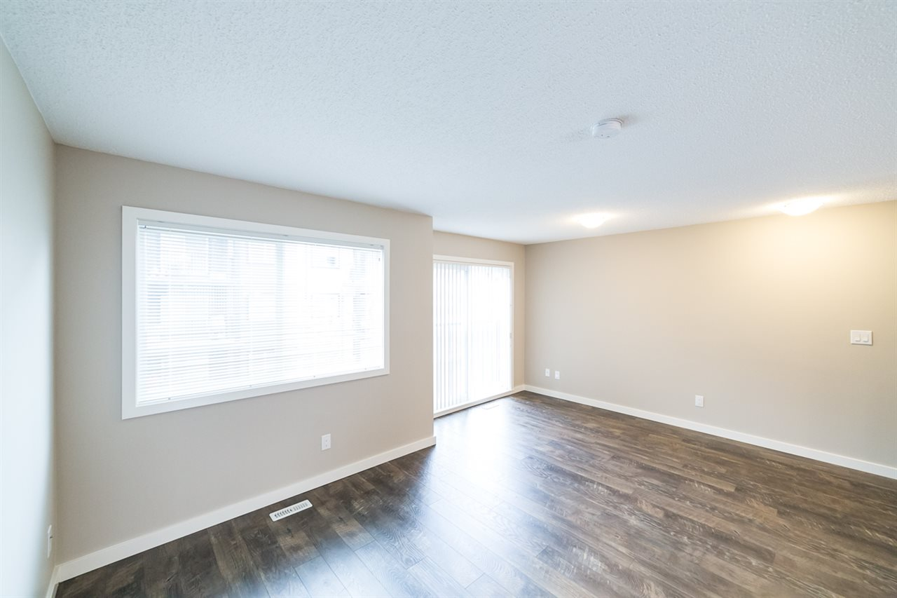 Photo 8: 3366 15A Avenue in Edmonton: Zone 30 Townhouse for sale : MLS(r) # E4071522