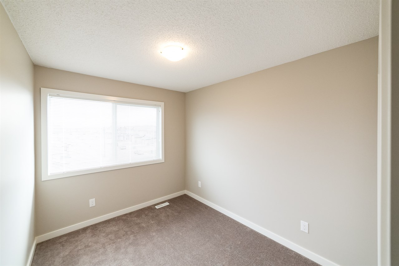 Photo 21: 3366 15A Avenue in Edmonton: Zone 30 Townhouse for sale : MLS(r) # E4071522