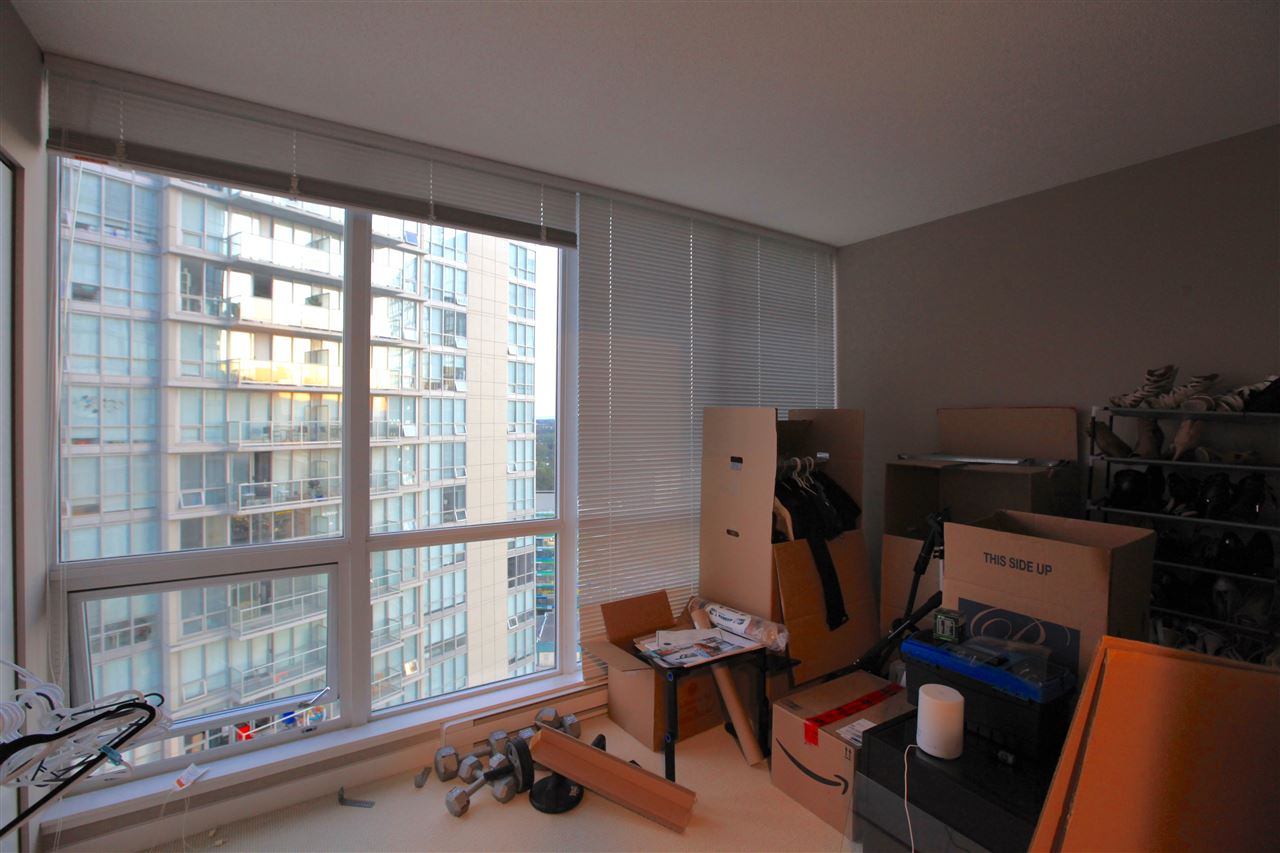 "Photo 4: Photos: 2609 13688 100 Avenue in Surrey: Whalley Condo for sale in ""Park Place"" (North Surrey)  : MLS® # R2188147"