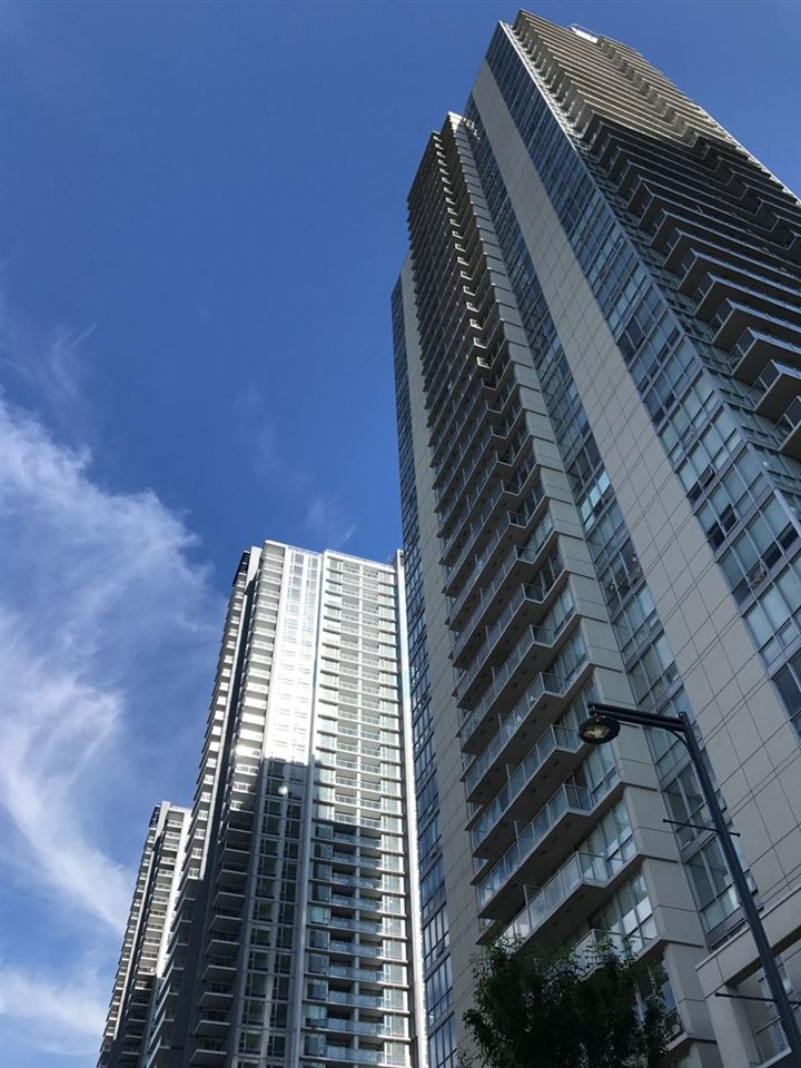 "Photo 1: Photos: 2609 13688 100 Avenue in Surrey: Whalley Condo for sale in ""Park Place"" (North Surrey)  : MLS® # R2188147"