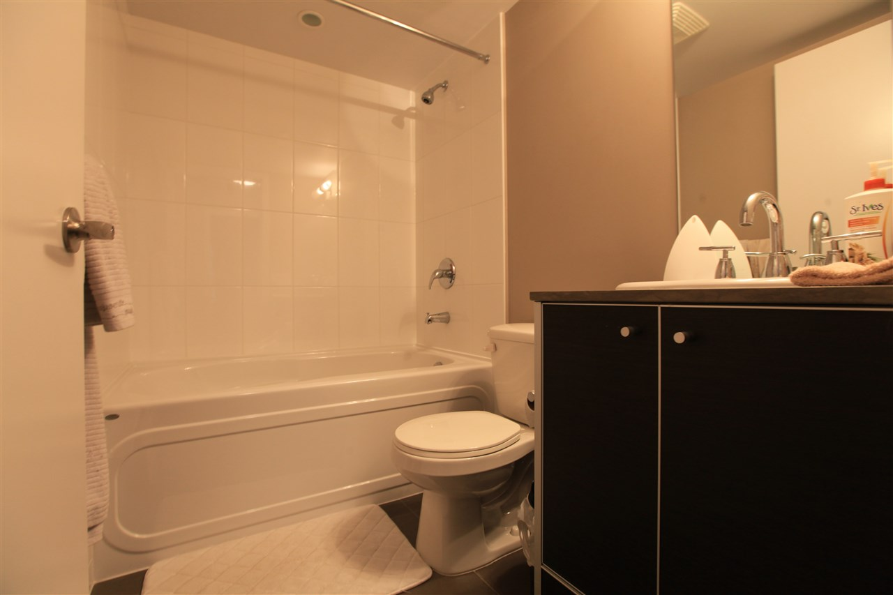 "Photo 7: Photos: 2609 13688 100 Avenue in Surrey: Whalley Condo for sale in ""Park Place"" (North Surrey)  : MLS® # R2188147"