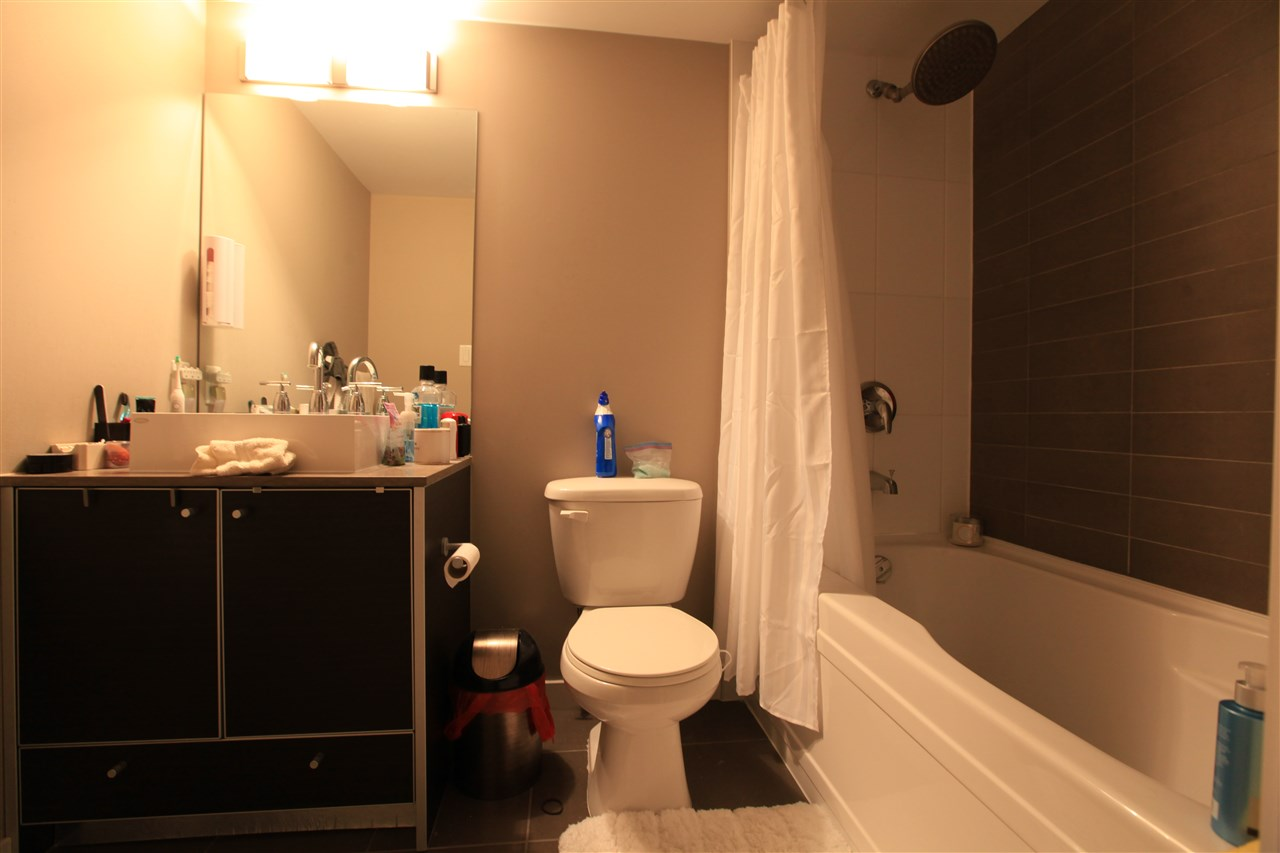 "Photo 6: Photos: 2609 13688 100 Avenue in Surrey: Whalley Condo for sale in ""Park Place"" (North Surrey)  : MLS® # R2188147"