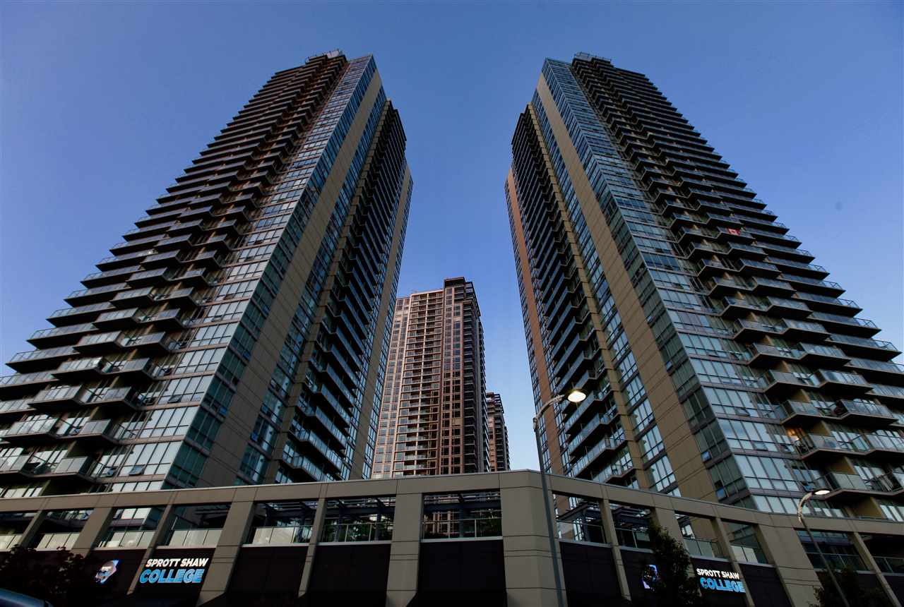 "Photo 2: Photos: 2609 13688 100 Avenue in Surrey: Whalley Condo for sale in ""Park Place"" (North Surrey)  : MLS® # R2188147"