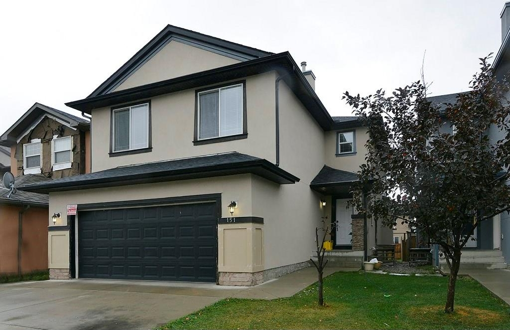 Main Photo: 151 SADDLECREST Gardens NE in Calgary: Saddle Ridge House for sale : MLS® # C4138096