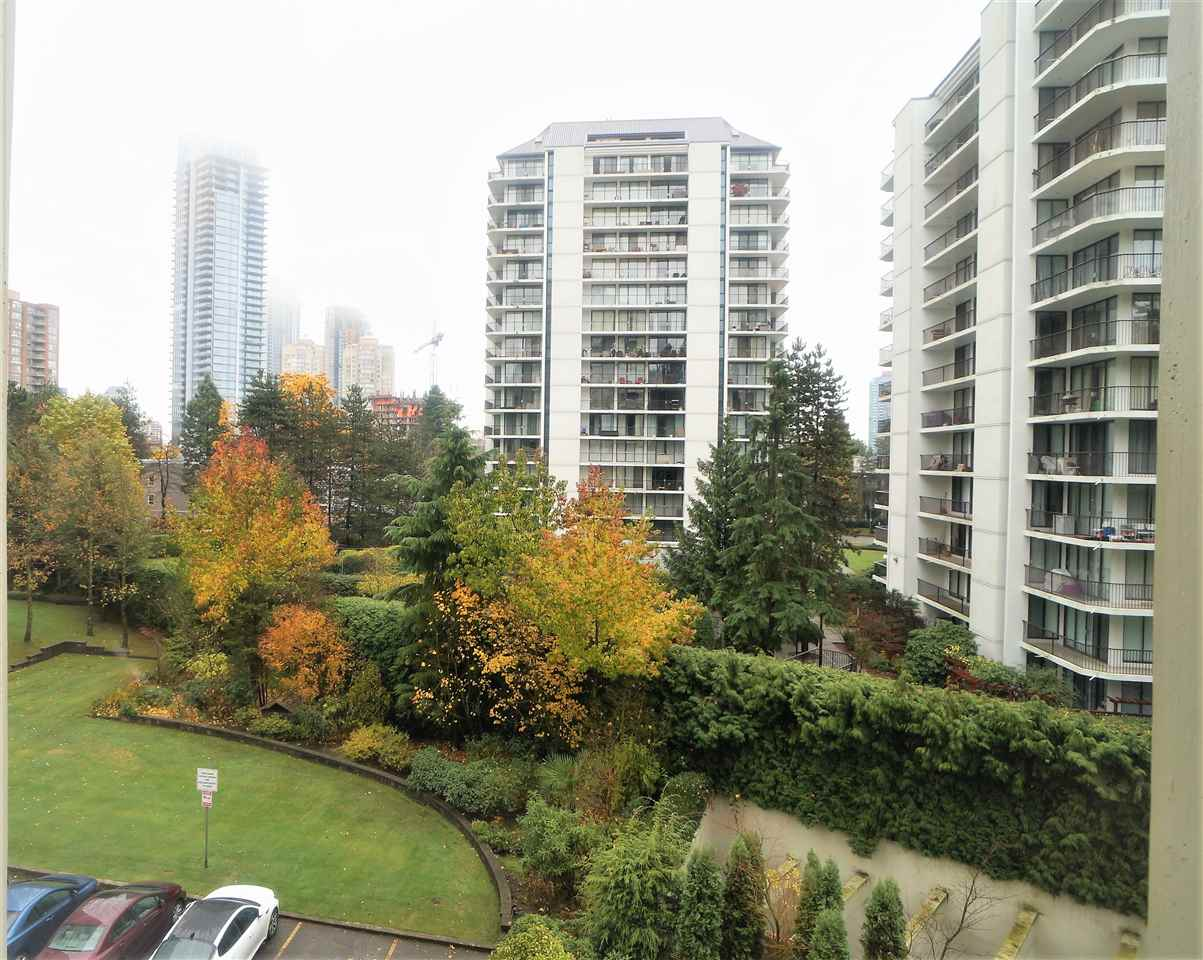 "Main Photo: 508 4105 MAYWOOD Street in Burnaby: Metrotown Condo for sale in ""TIMES SQUARE"" (Burnaby South)  : MLS® # R2224151"