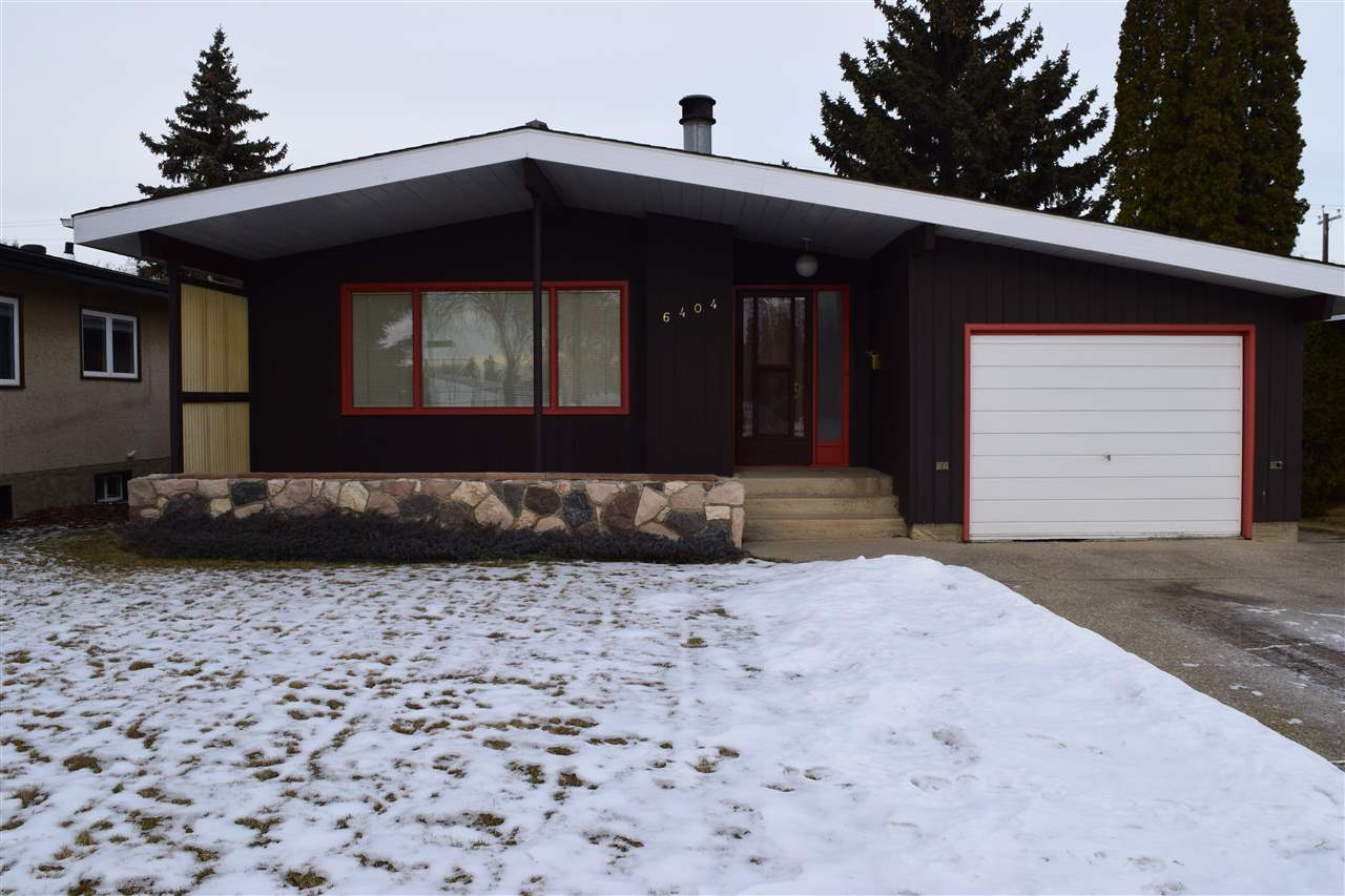 Main Photo: 6404 86 Avenue NW in Edmonton: Zone 18 House for sale : MLS® # E4092371