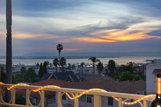 Main Photo: SAN DIEGO Condo for sale : 2 bedrooms : 2445 Brant St #305