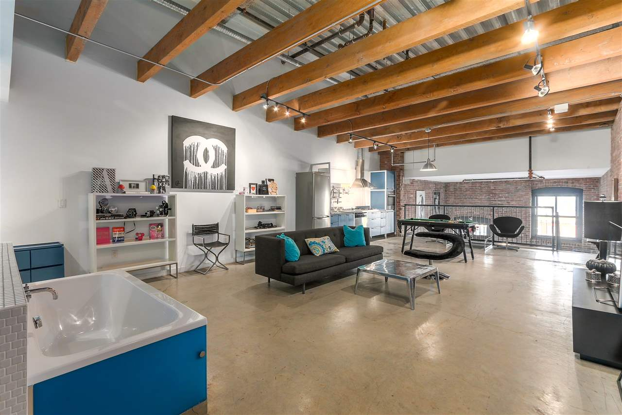 "Main Photo: 504 55 E CORDOVA Street in Vancouver: Downtown VE Condo for sale in ""KORET LOFTS"" (Vancouver East)  : MLS®# R2244730"