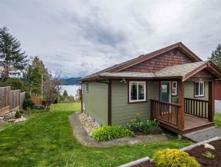 Main Photo: 588 N FLETCHER Road in Gibsons: Gibsons & Area House for sale (Sunshine Coast)  : MLS®# R2254074