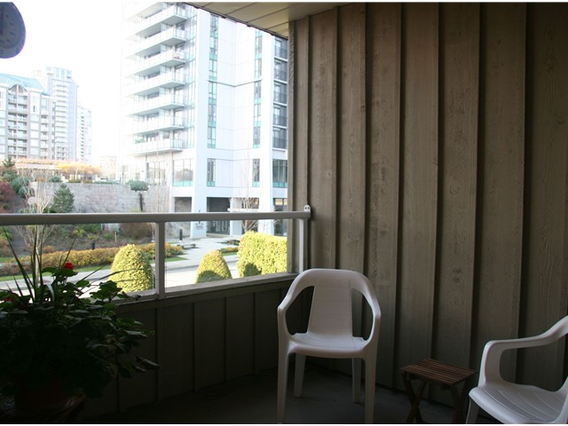 Photo 8: 206 1154 WESTWOOD Street in Coquitlam: North Coquitlam Condo for sale : MLS(r) # V921177