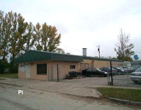 Main Photo: 597 Washington Avenue: Industrial / Commercial / Investment for sale (East Kildonan)  : MLS®# 2717628