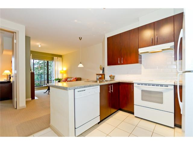 Photo 3: 408 7388 Sandborne Avenue in Burnaby: South Slope Condo for sale (Burnaby South)  : MLS® # V934964