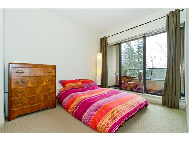 Photo 4: 408 7388 Sandborne Avenue in Burnaby: South Slope Condo for sale (Burnaby South)  : MLS® # V934964
